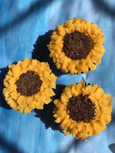 Night Owl Cakery - Sunflower Cupcakes 1.